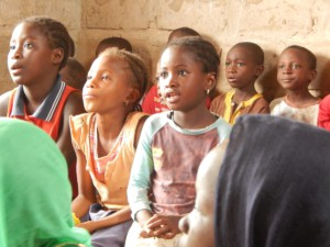 Uw steun is nodig_Smiling Child of The Gambia